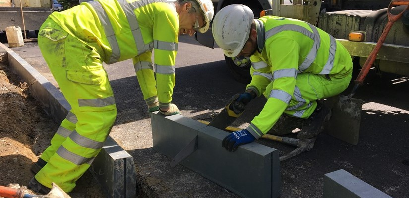 Skanska explores recycled plastic kerbing as low-carbon alternative to concrete