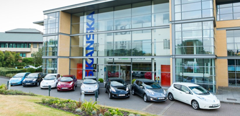 The eight Nissansn LEAF cars ready to join Skanska's green fleet