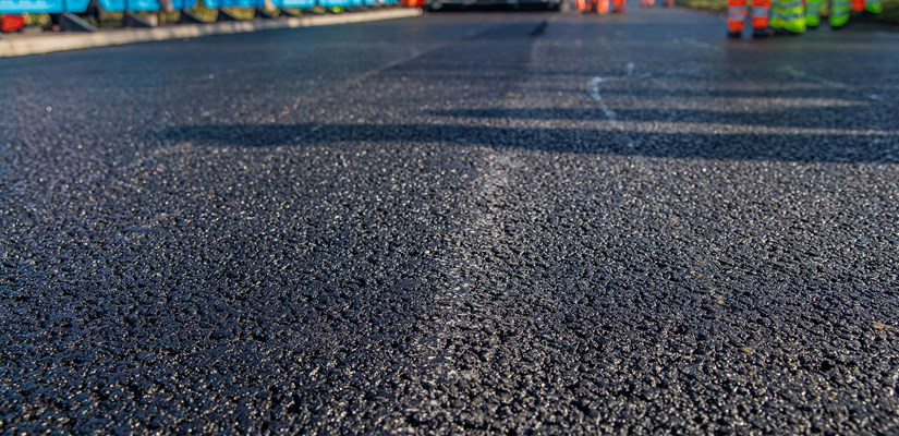 Skanska explores innovative materials to drive greener, more durable roads - image 1