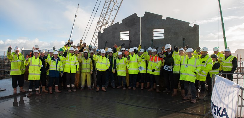 Scottish Prison Service joined the Skanska team and subcontractors to mark the topping out