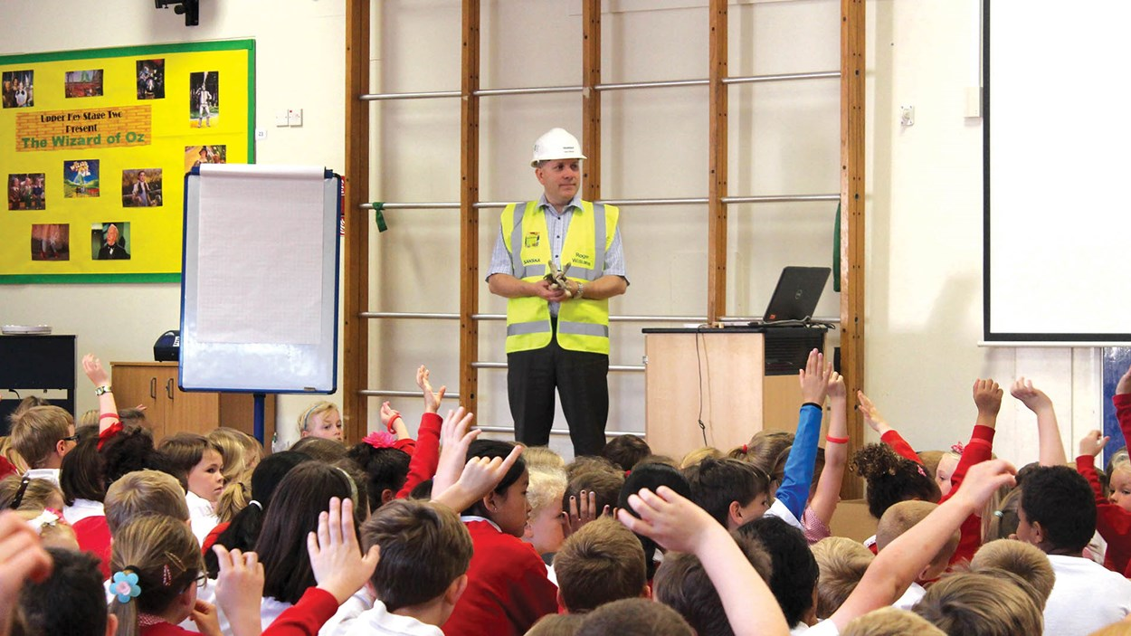 Construction_presentation_at_school