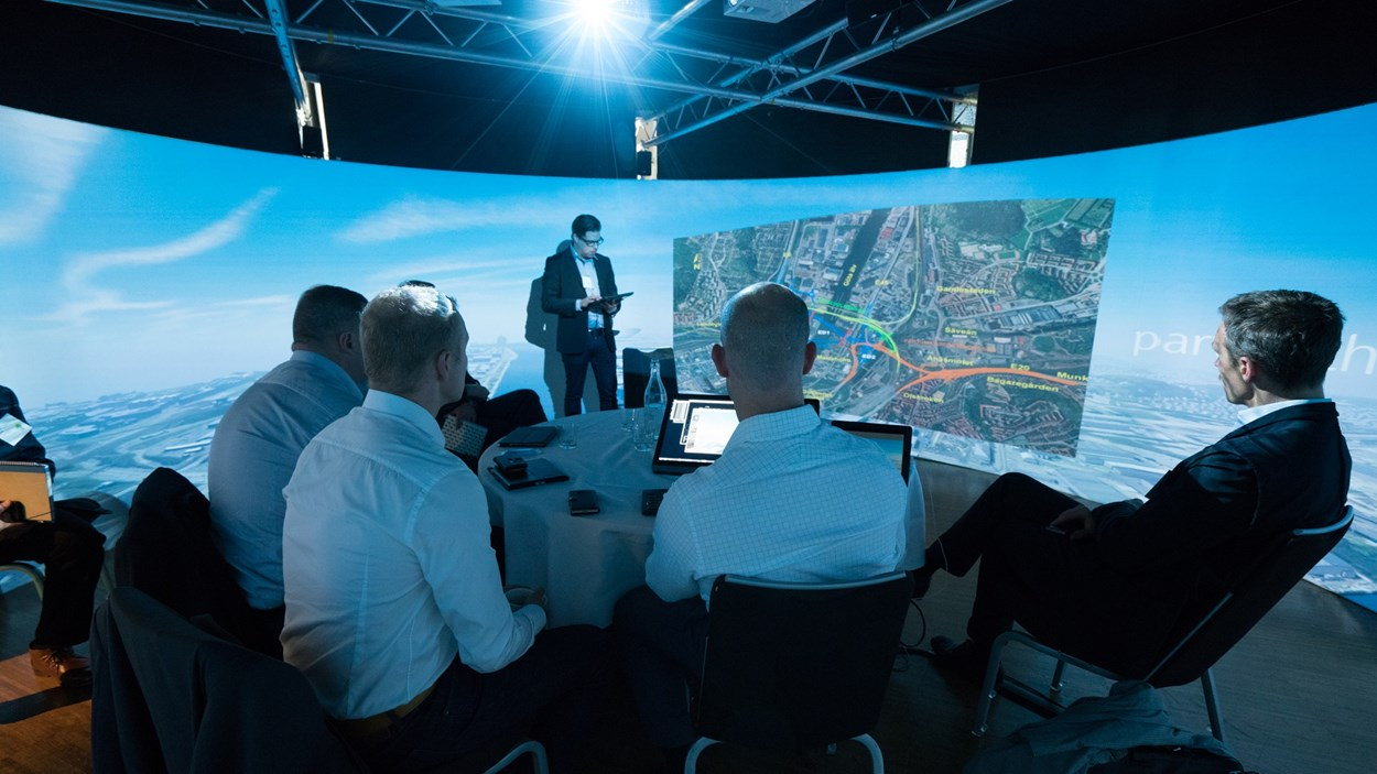 Skanska-bim-cave-virtual-reality-meeting